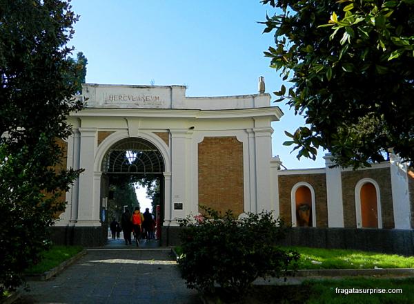 Acesso às ruínas de Herculano, Itália