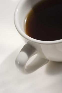 enlever une tache de caf sur un v tement trucs et astuces astuces hebdo. Black Bedroom Furniture Sets. Home Design Ideas