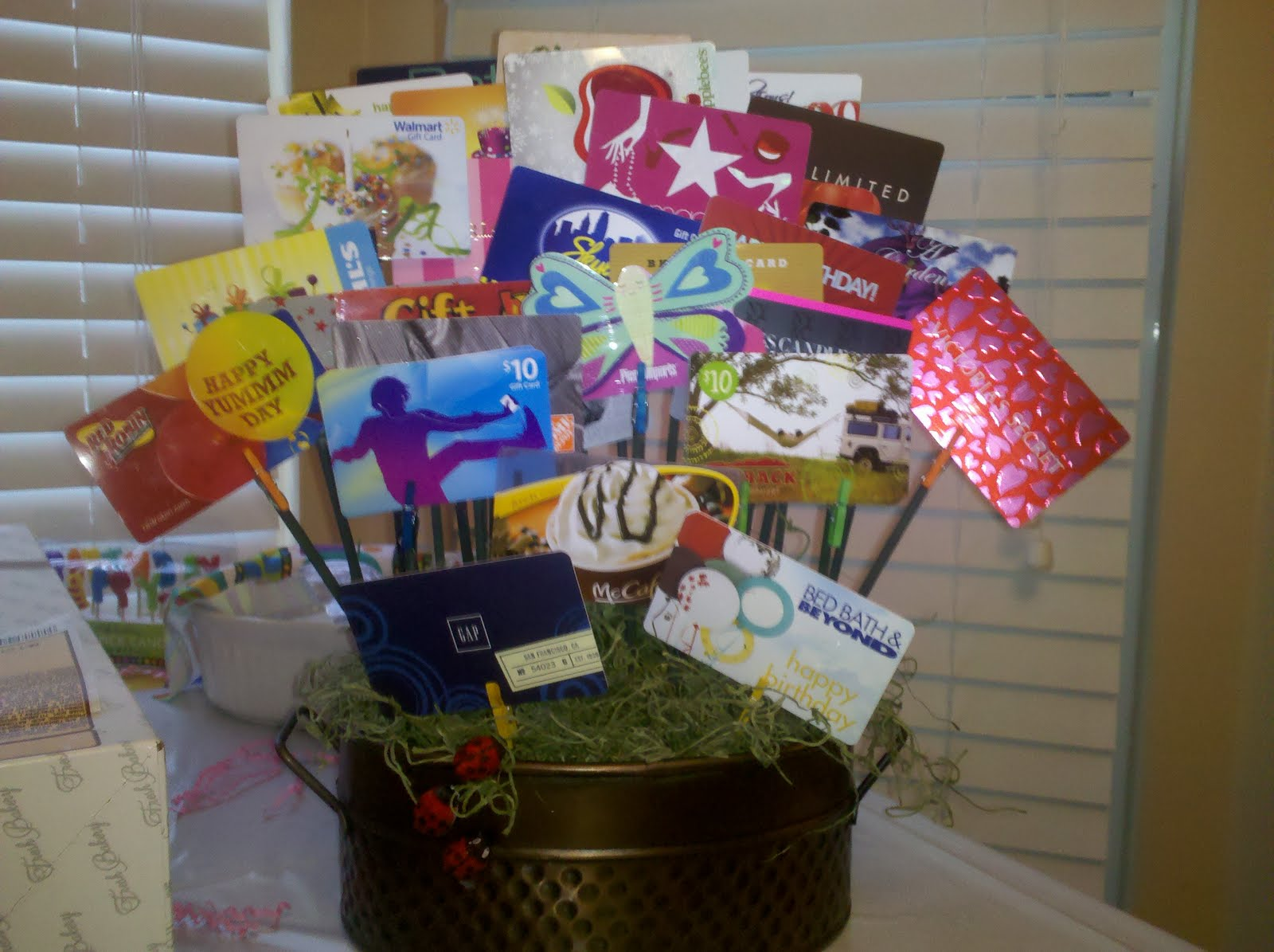 Card Display Ideas Gift Basket