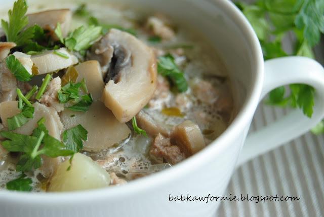 zupa pieczarkowa z mielonym mięsem i ziemniakami babkawformie.blogspot.com