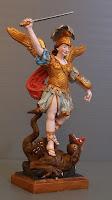 statuina angelo michele che sconfigge il drago personalizzata orme magiche
