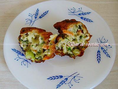 Bolinho de brócolis, cenoura e repolho