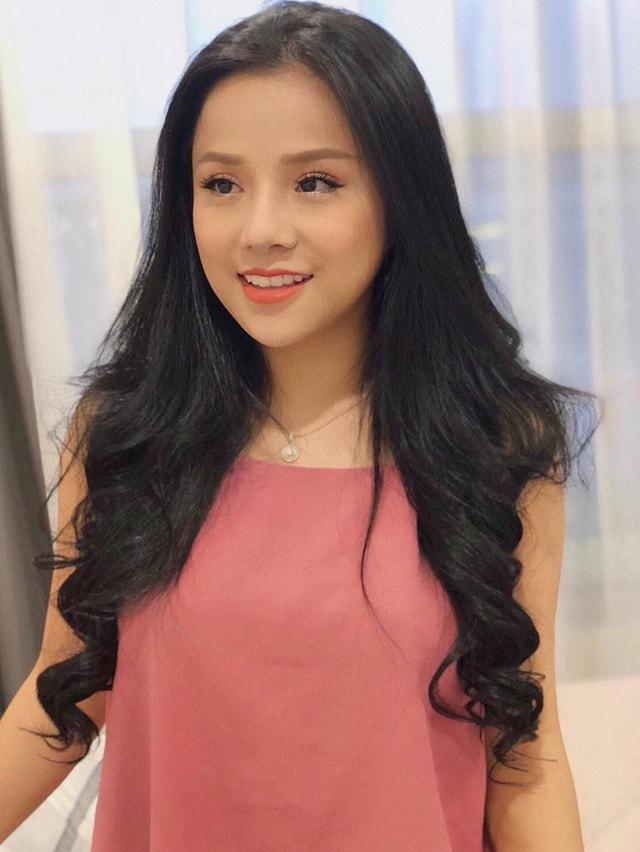 Gặp gỡ cô nàng 9X xứ Nghệ xinh xắn, sở hữu giọng hát ngọt ngào, quyến rũ -1