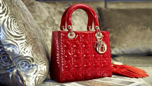 Tas ikonik Christian Dior