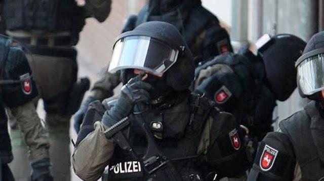 Χειροπέδες στο Νο1 του Ισλαμικού Κράτους στη Γερμανία