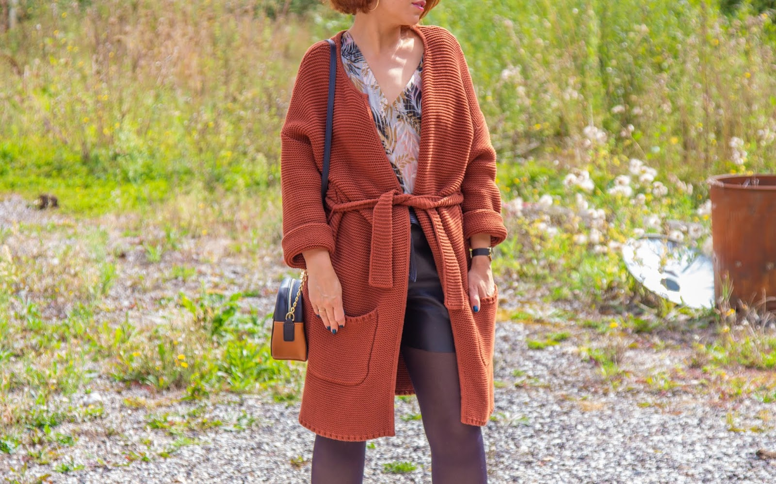 look-automne-short-simili-gilet-long