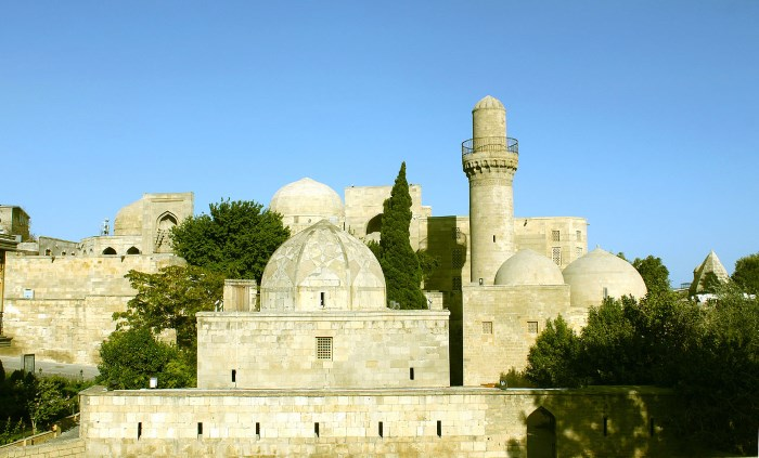Top 10 Famous Tombs in The World The Mausoleum of Shirvanshah - Azerbaijan
