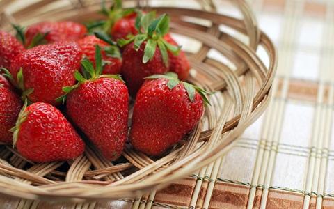 buah stroberi yang segar
