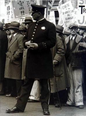 https://kvetchlandia.tumblr.com/post/174845968318/dorothea-lange-policeman-and-demonstrating