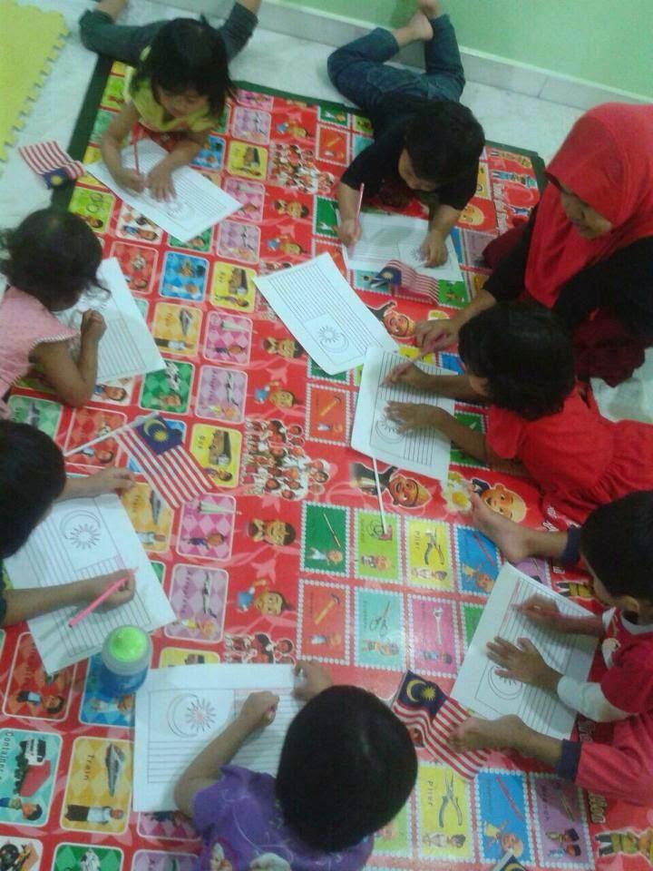 Kanak-kanak di taska dididik supaya lebih berdikari dan berdisiplin. 25a969c413
