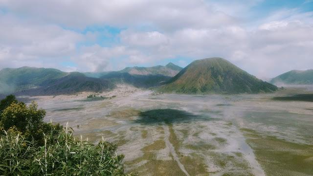 El monte Bromo desde el final del atajo.