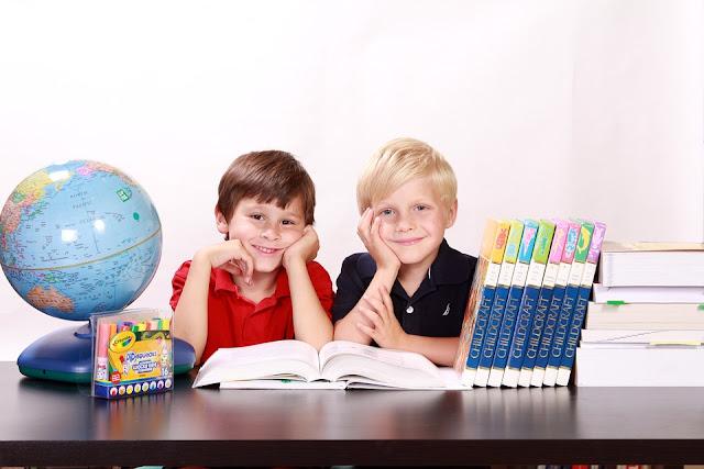 zdjęcie ilustracyjne: pixabay/ 40 proc. uczniów otrzymało już 300 zł na szkolną wyprawkę z programu Dobry Start