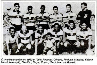 GREMIO MARINGÁ 1962 Em pé Oliveira EdsonFaria Asa Marcos Macário e Lelei  Agachados Azevedo Mário Garoto Silvio e Macedo 6f585aa993e1a