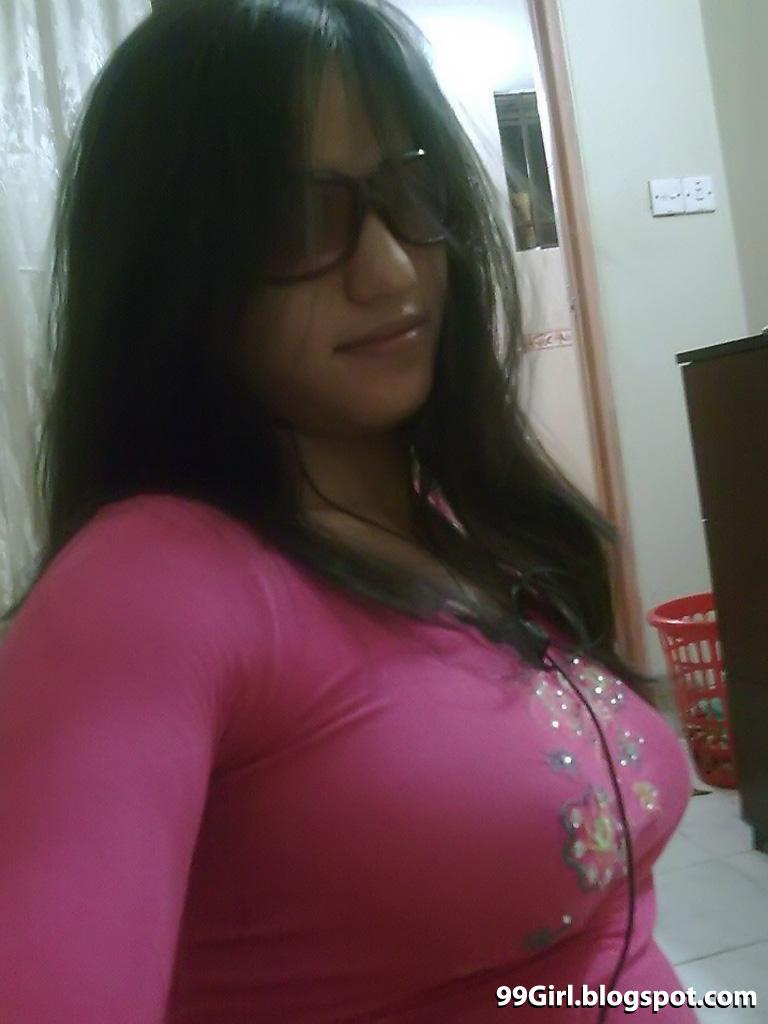 Picture Hot Artist Hot Bangladeshi Girl Zara Amin-6365