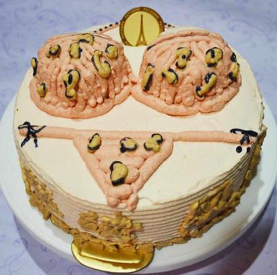 Hình ảnh bánh kem sinh nhật Bikini độc đáo