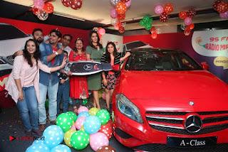 Raashi Khanna at Mirchi 95 Suno Mercedes Jeeto Contest Stills  0018.jpg