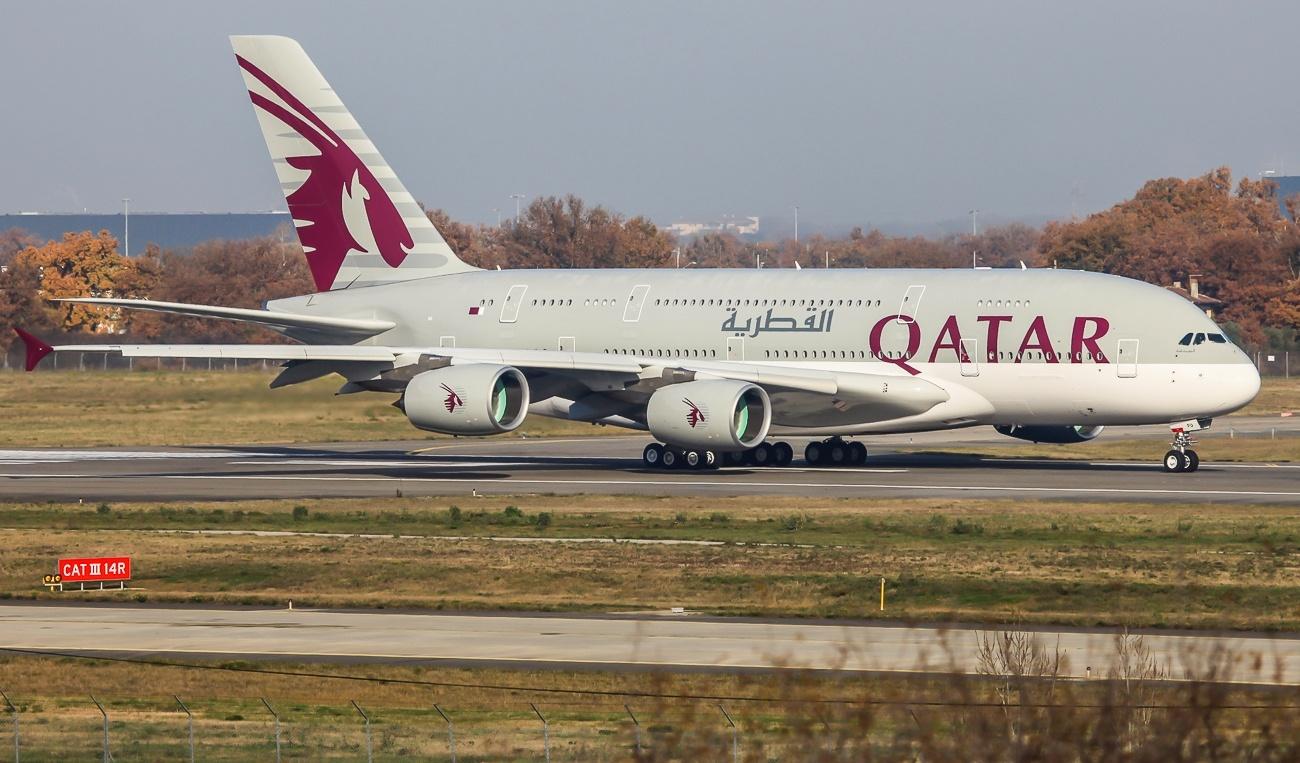 qatar airways a380800 super jumbo jet aircraft wallpaper