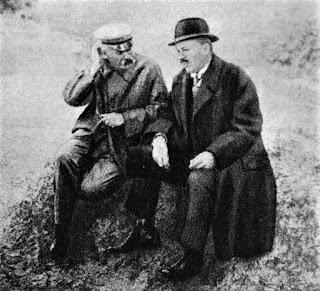 Józef Piłsudski i Kazimierz Bartel w Druskienikach 1926 (pl.wikipedia.org)