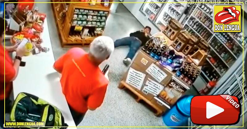 Le disparó a un ladrón que asaltaba a su marido en el negocio