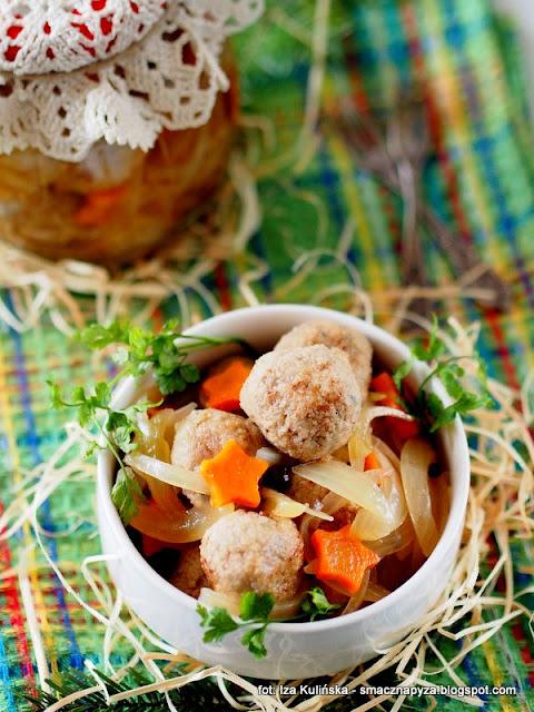 kuleczki miesno grzybowe w occie, kulki marynowane, klopsiki w zalewie octowej, mieso z grzybami, grzyby suszone, menu imprezowe, przekaski, przekaska, zagrycha