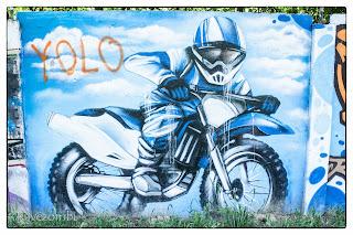 Graffitis motoros rendőr Szegeden