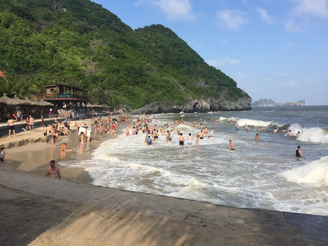 Tourists urged to explore Vietnam's most beautiful beaches