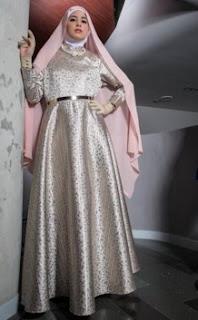 Busana Muslim Risty Tagor Koleksi Terbaru Lengkap Dengan Hijab