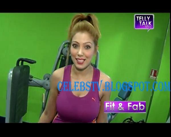 Munmun Dutta Aka Babitaji Hot In Gym Outfit - Sexy Celebs -8039