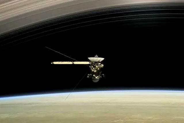 Nave Cassini mergulha nos anéis de Saturno