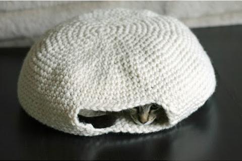 DIY Crochet Cat Bed - The Merrythought   321x480