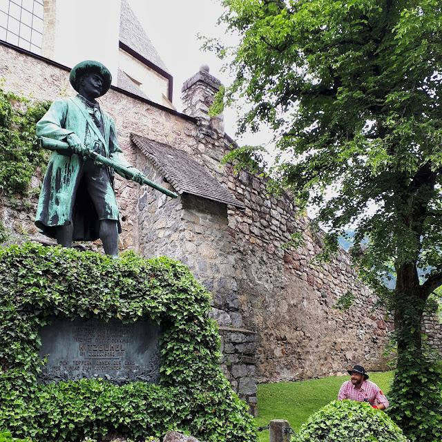 Bjorn Troch The Social Traveler exploring the old town of Kitzbühel