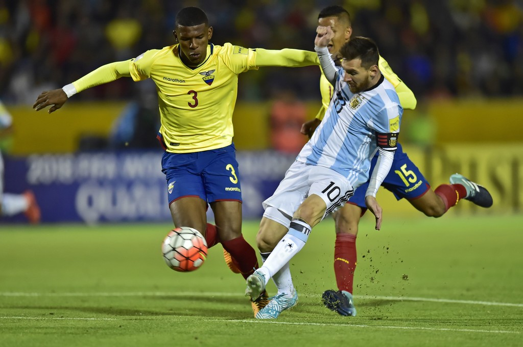 dang-Messi-giai-cuu-Argentina-1
