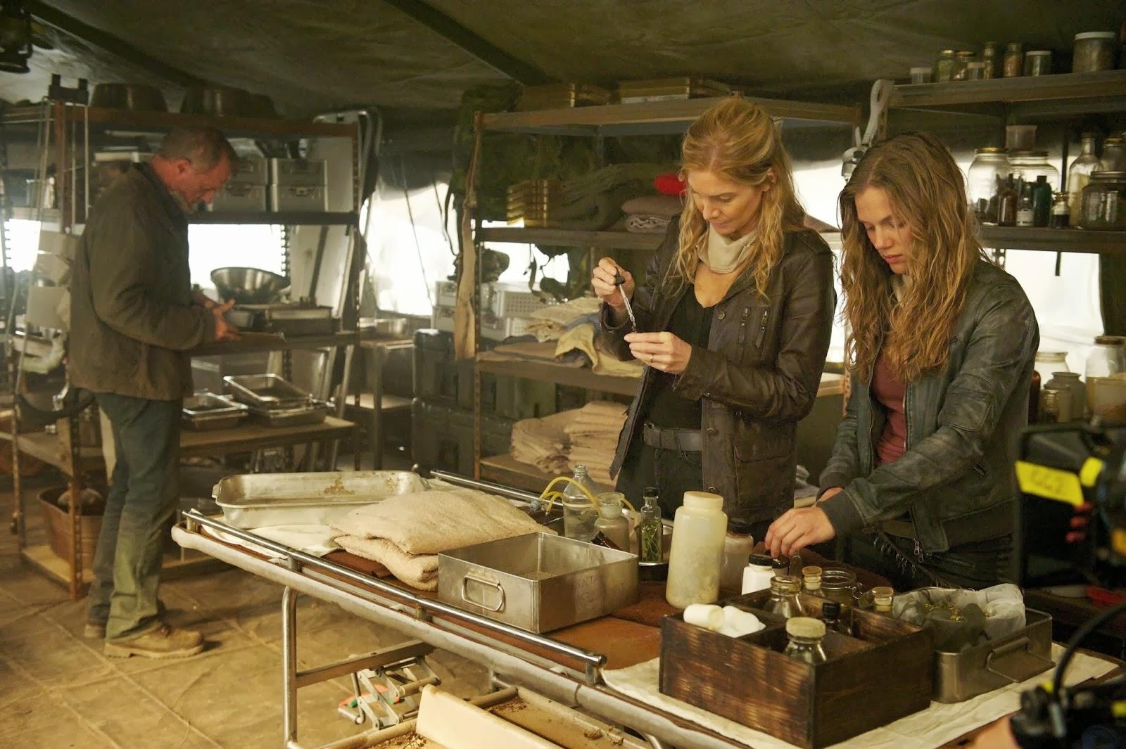Revolution Captain Trips Gene, Rachel y Charlie