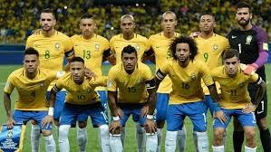 Tite repete escalação e ensaia quarteto ofensivo em estreia na Copa