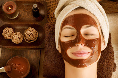 Cocoa powder helps to repair skin