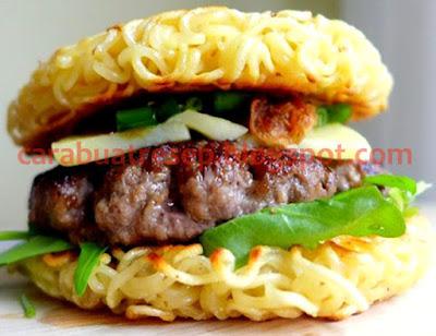 Foto Resep Burger Mie Instan Sederhana Spesial Asli Enak