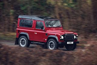 Land Rover revives the legendary V8 Defender!