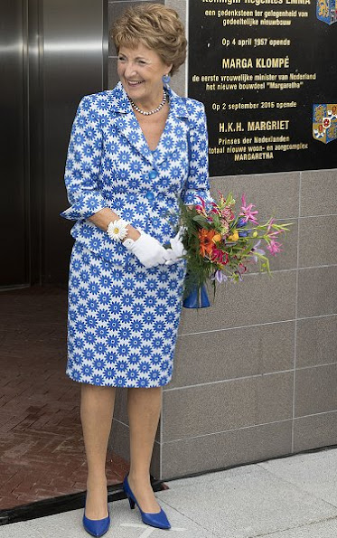 Princess Margriet opened a modern residential facility in Kampen, Princess Style Royalt, fashions newmyroyals