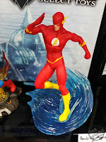 Diamond Select DC Comics Gallery PVC Statues Flash