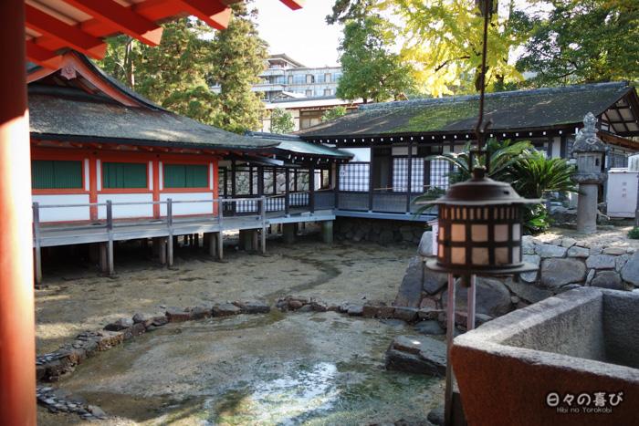 Fondations à marée basse, sanctuaire Itsukushima, Miyajima, Hiroshima-ken