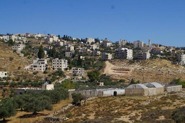 قرية #بيت_اكسا المقدسية محاصرة منذ 2012 واسرائيل تنكل في السكان