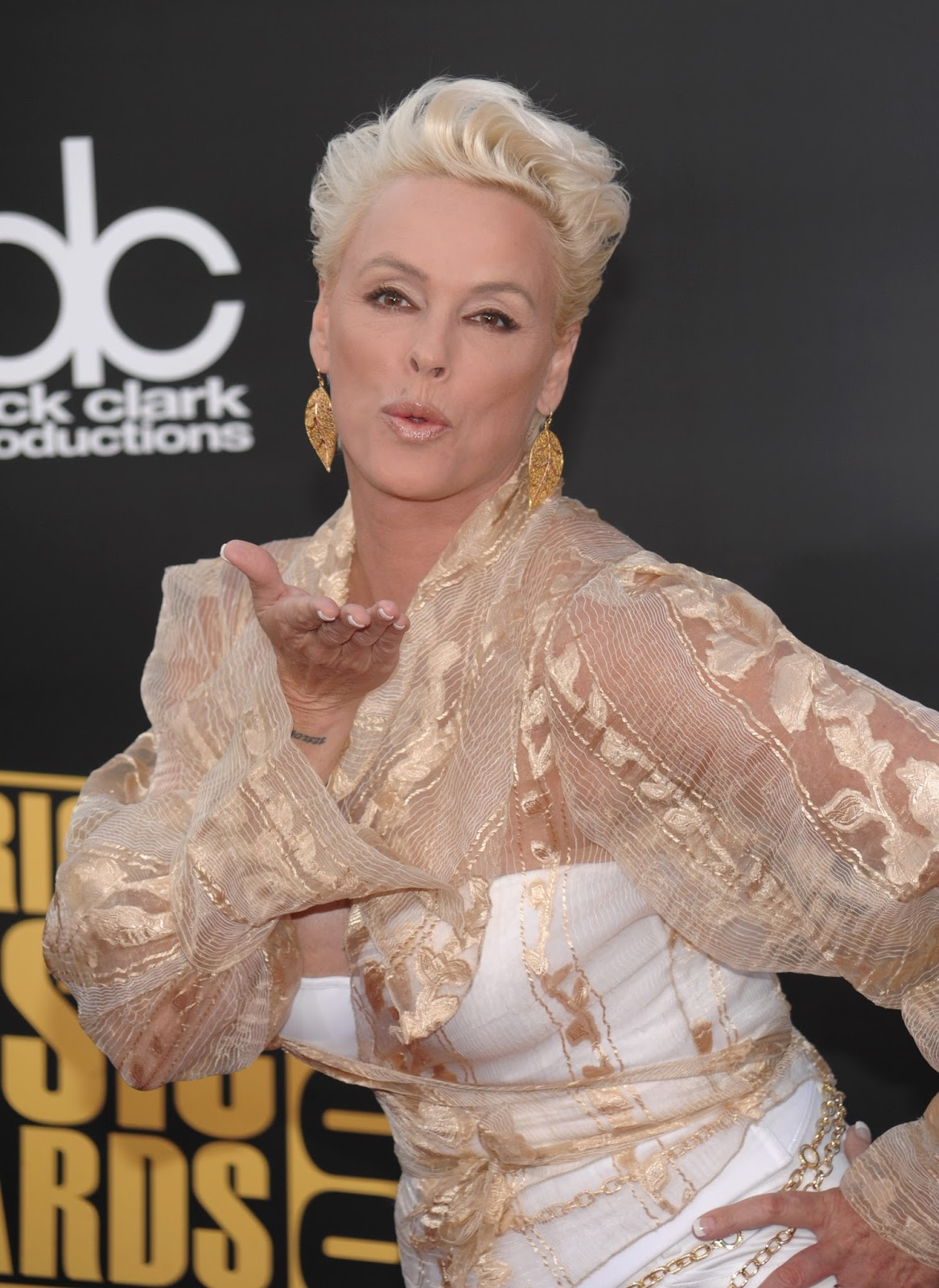 Brigitte Nielsen Hot Cleavage At 2008 American Music