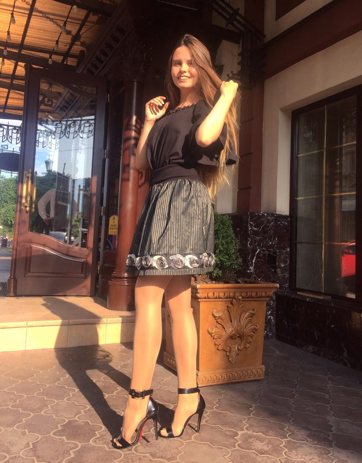 Tall pantyhose girl dating 7