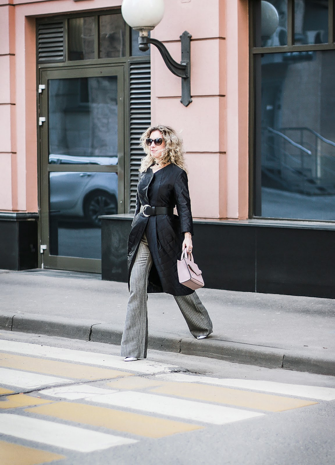 Margarita_Maslova_Ritalifestyle_Fashion_blogger_Moscow_belt_coat_black_silver_shoes_outfitMargarita_Maslova_Ritalifestyle_Fashion_blogger_Moscow_belt_coat_black_silver_shoes_outfit