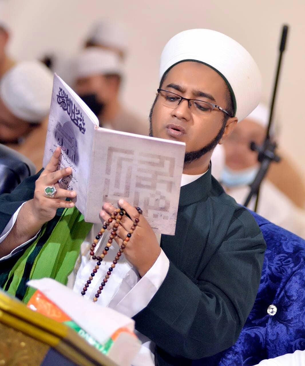 Download Wallpaper Habib Hasan 2702219