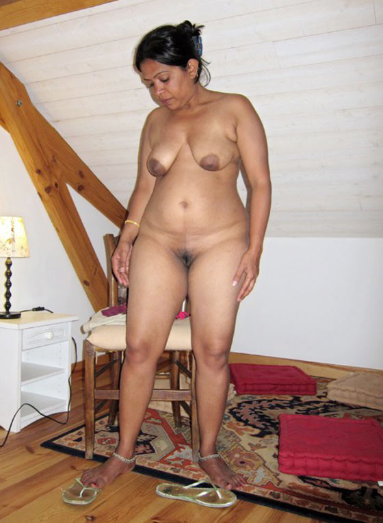 Naked stretched vagina up close