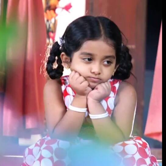 Child actress Niranjana as Malootty