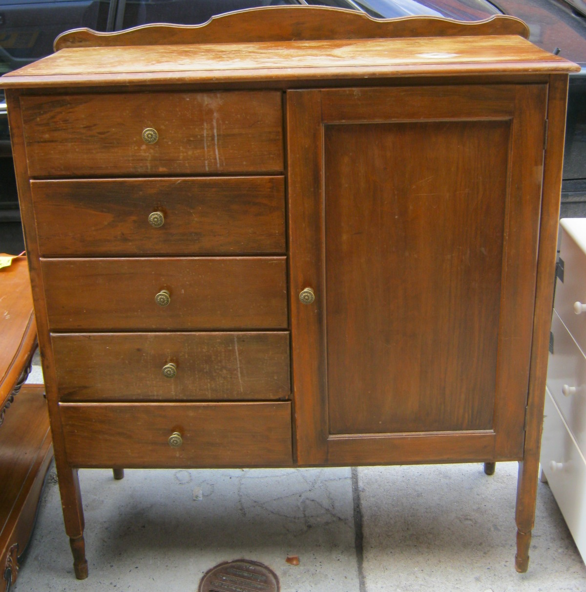 Uhuru Furniture Amp Collectibles Chiffarobe Sold