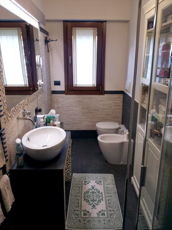 ... ristrutturazione del bagno a Corsico, senza tuttavia apparire