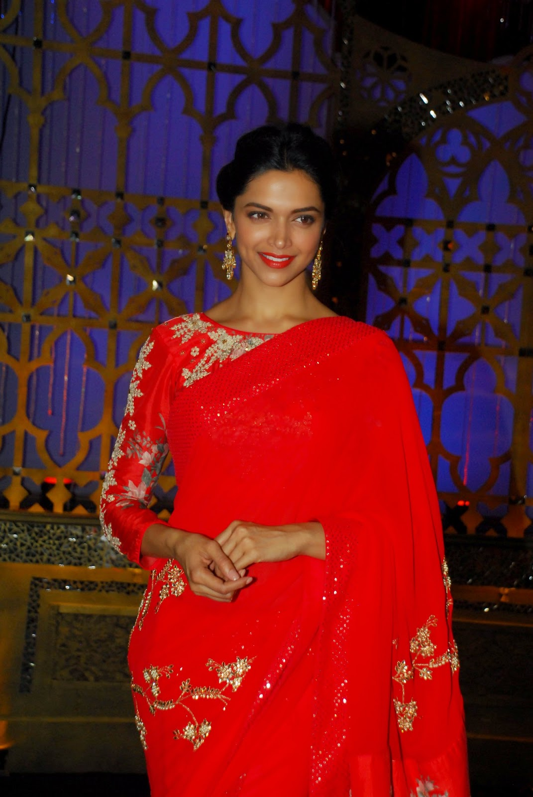 High Quality Bollywood Celebrity Pictures Deepika -5665